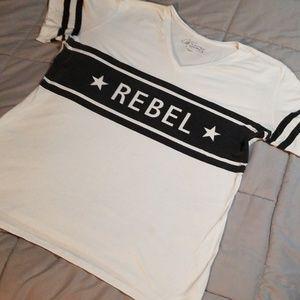 Rebel Tshirt XXL